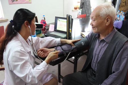 同济优越养生医师开讲老年人科学饮食